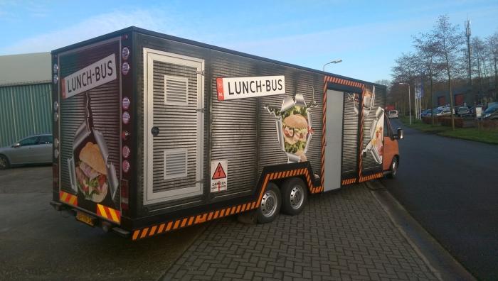 Fotos-Lunchbus-3-700x396.jpg